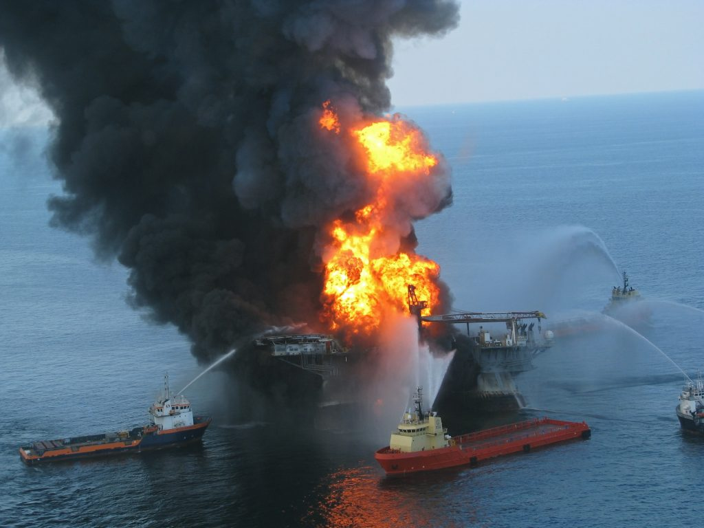 Picture of burning Deepwater Horizon oil platform